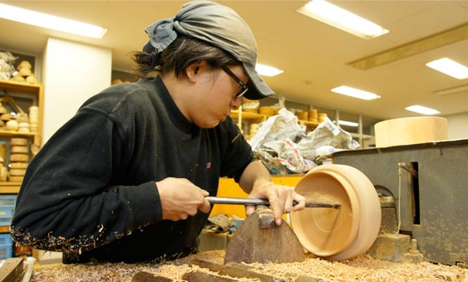 日本一を誇る山中の挽物轆轤技術紹介